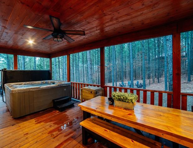HillsideTreeHouse.BeaversBend43