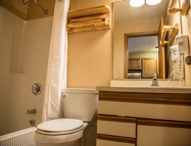 CaribouHighlands104A-5-Bathroom