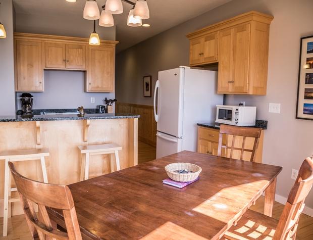 Aspenwood6540-3-Kitchen4.jpg
