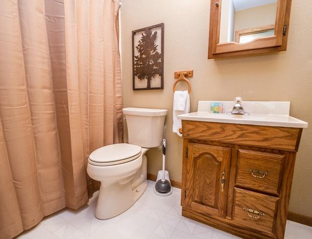DowntownTreehouse-4-Bathroom1.jpg