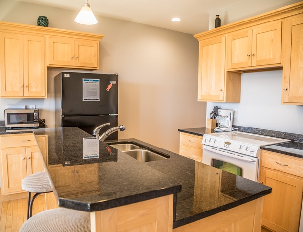 Aspenwood6548-3-Kitchen2.jpg