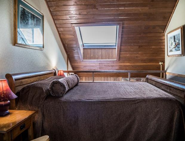 CH 511-4-Bedroom1-1.jpg