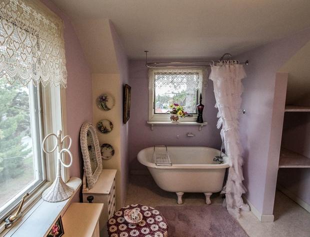 SuperiorOverlook-7-Bathroom3-2.jpg