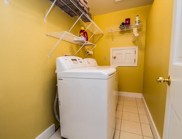 BlueHouse-7-Laundry2.jpg