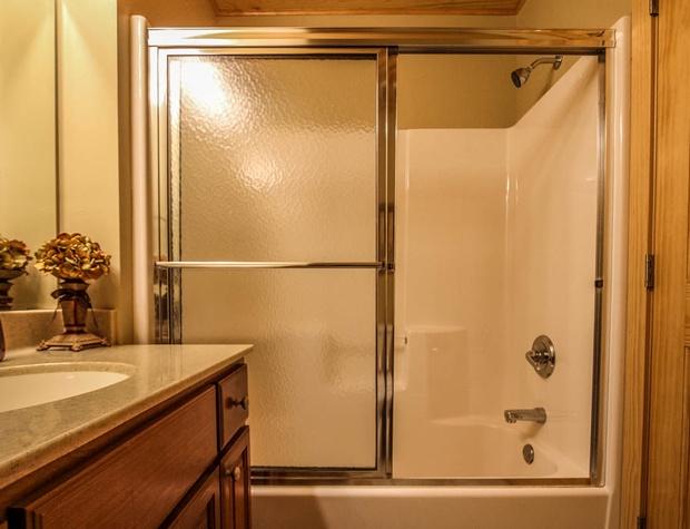 CCV4-5-Bathroom-2.JPG