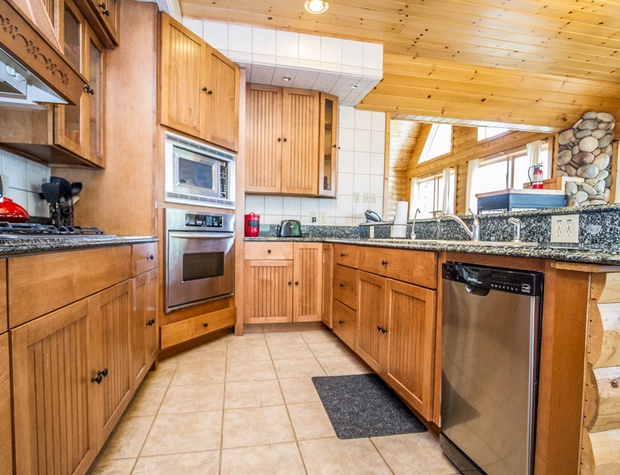 Anchor Point-3-Kitchen2.jpg