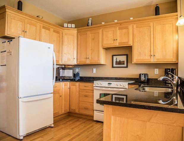 Aspenwood6544-3-Kitchen2.jpg
