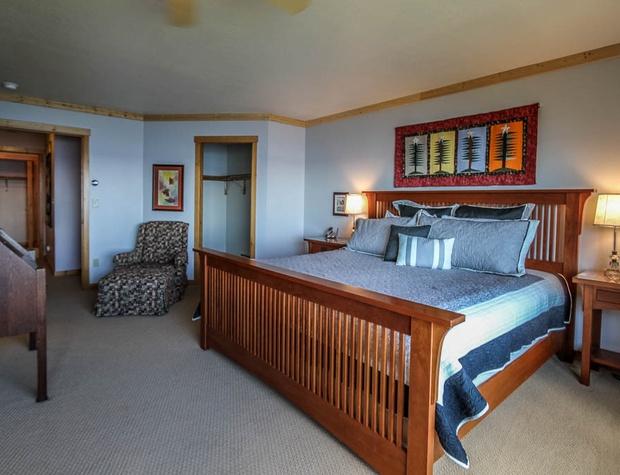 Aspenwood6526-5-Bedroom1-1.JPG