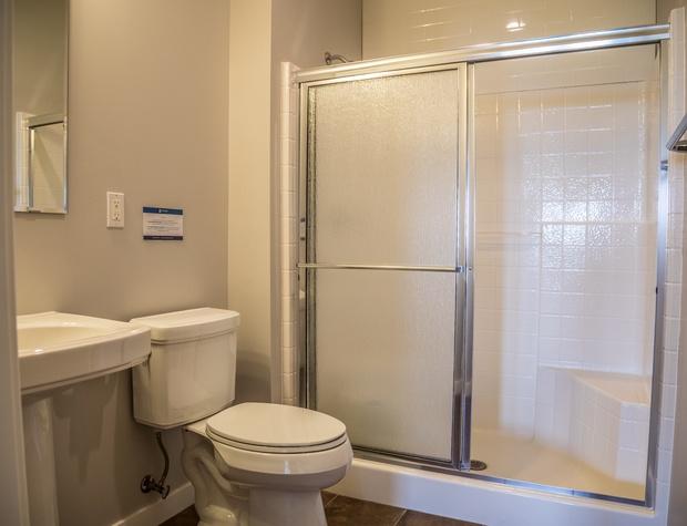 Aspenwood6540-5-Bathroom3-1.jpg