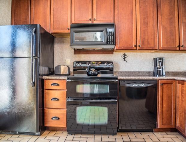 CH 518-3-Kitchen1.jpg