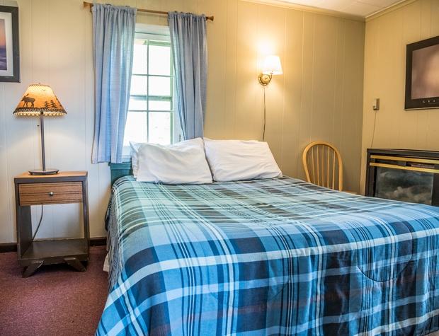 11-4-Bedroom1.jpg