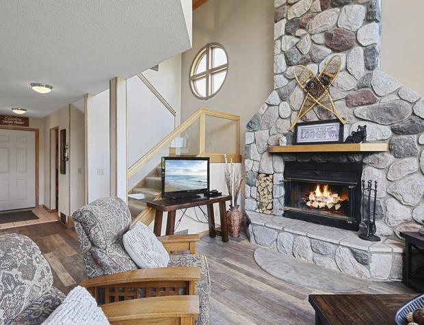 Caribou+Highlands+371+Ski+Hill+Rd+Lutsen-2-original.jpg