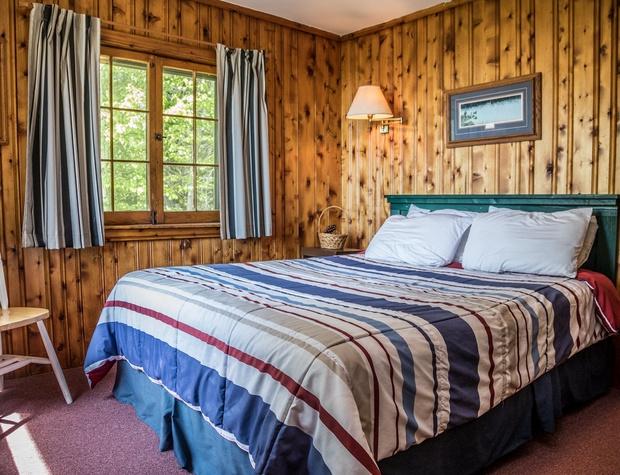 14-4-Bedroom1-1.jpg