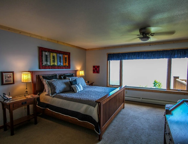 Aspenwood6526-5-Bedroom1-3.JPG