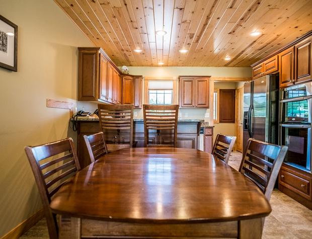 Cobblestone10-3-Kitchen1.jpg