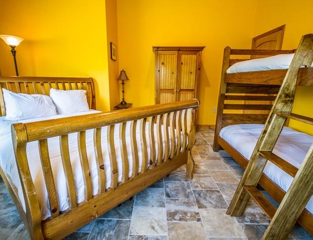 Roundhouse-5-Bedroom2-2.jpg