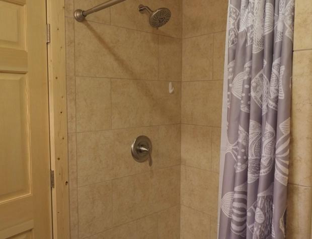 CLV_3_Shower.JPG
