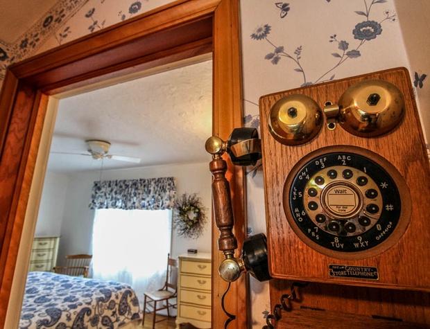SuperiorOverlook-6-Bedroom1-0.jpg