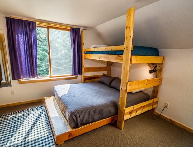 Baslager-4-Bedroom2-2.jpg