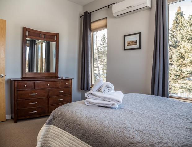 Aspen6538-4-Bedroom2-2.jpg