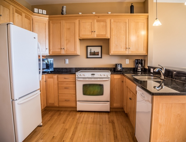 Aspenwood6544-3-Kitchen1.jpg