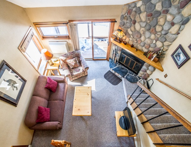 Caribou Highlands 144C is a cozy 2-story ski-in/ski-out unit at the Caribou Highlands Resort in Lutsen, MN.