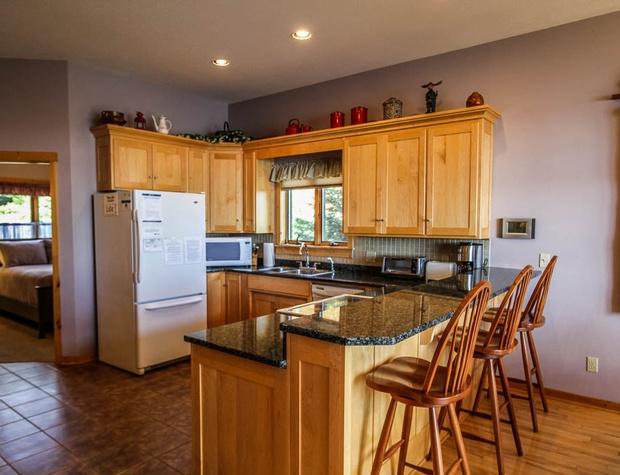 Aspenwood6526-4-Kitchen-1.JPG