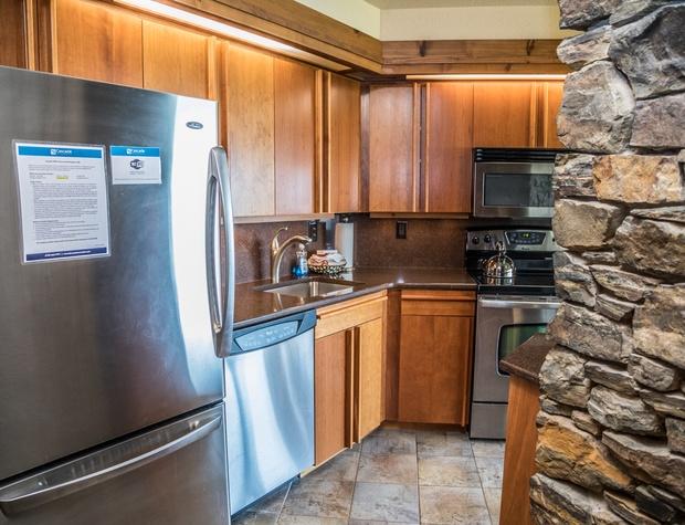 13B-2-Kitchen2.jpg