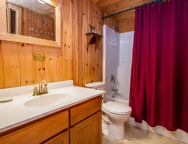 WearingWater-5-Bathroom1.jpg