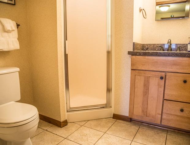 CH 511-5-Bathroom1.jpg