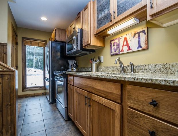 CH542-3-Kitchen2.jpg