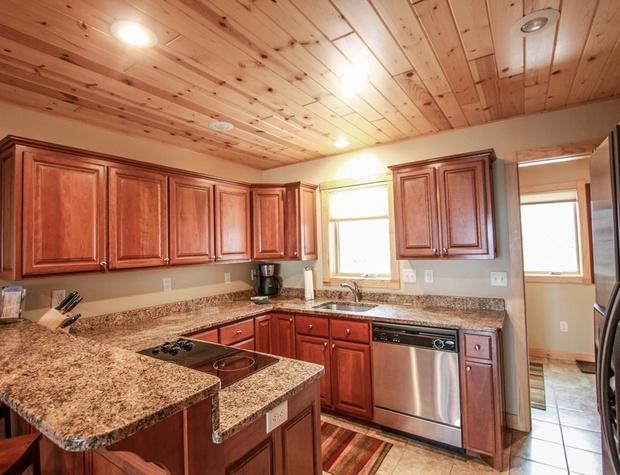 Cobblestone_7_Kitchen_2.jpg