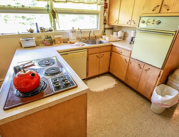 Parkview-3-Kitchen2.jpg