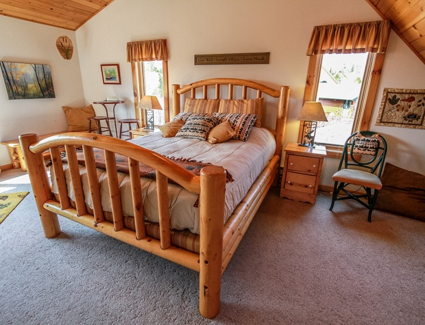 LogLodge42-4-Bedroom1-2.jpg