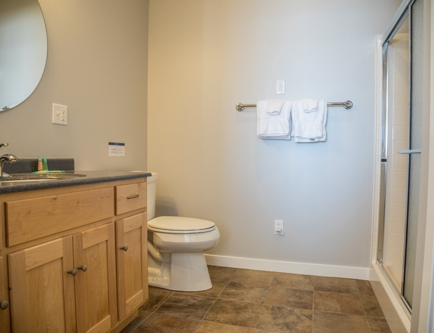 Aspen6538-6-Bathroom2-1.jpg