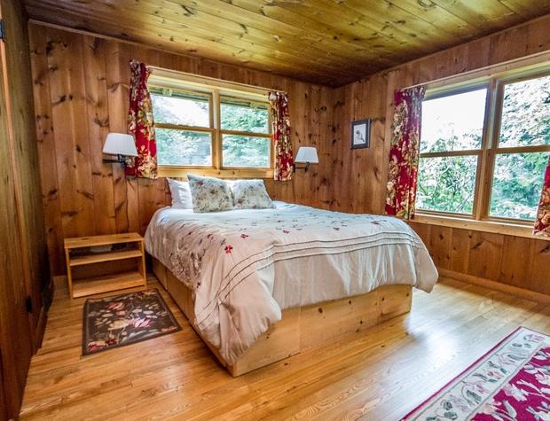 Deer Creek-5-Bedroom1-1.jpg
