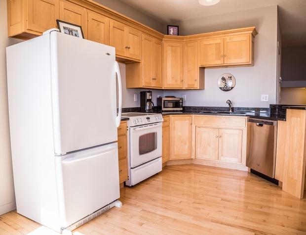 Aspenwood6542-3-Kitchen2.jpg