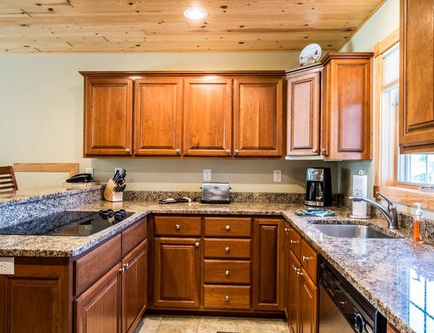 Cobblestone10-3-Kitchen2.jpg
