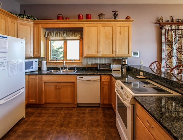 Aspenwood6526-4-Kitchen-2.JPG