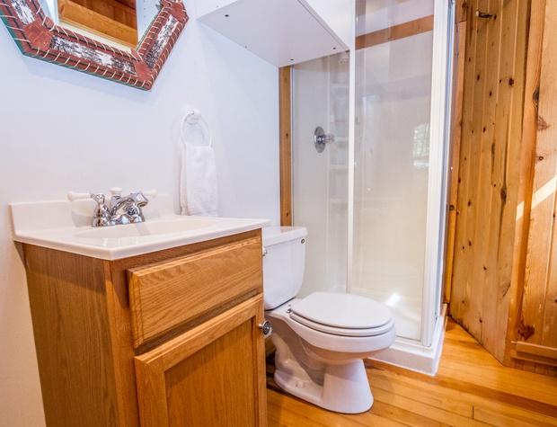 Hovland Pines-4-Bathroom1.jpg