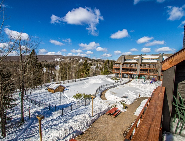 You can also enjoy Lutsen Mountains views in the winter and views of the outdoor pool in the summer.