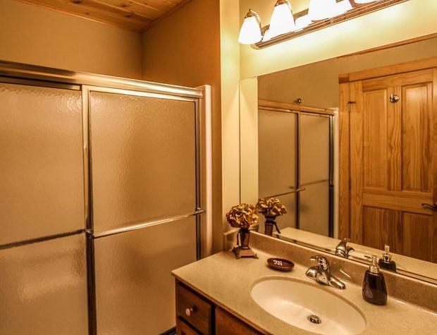 CCV4-5-Bathroom-3.JPG