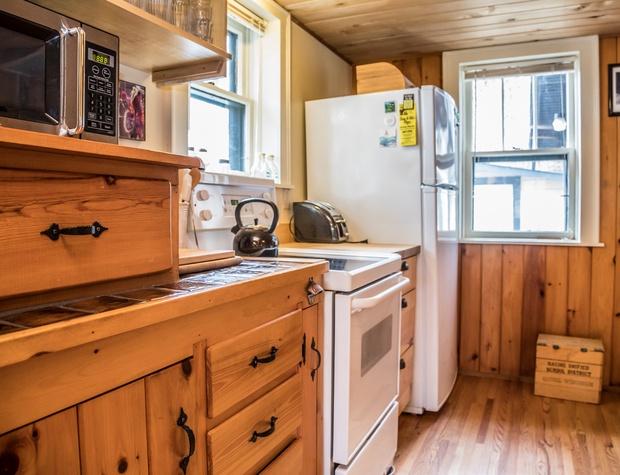 Voyageur-3-Kitchen1.jpg