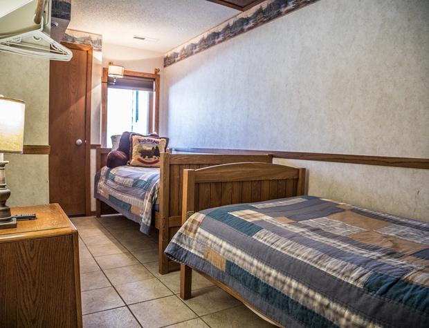 CH 511-4-Bedroom3-1.jpg