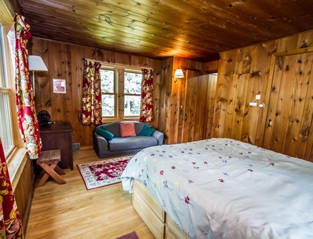 Deer Creek-5-Bedroom1-2.jpg