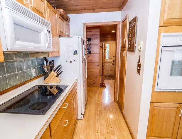 BayBreeze-3-Kitchen2.jpg