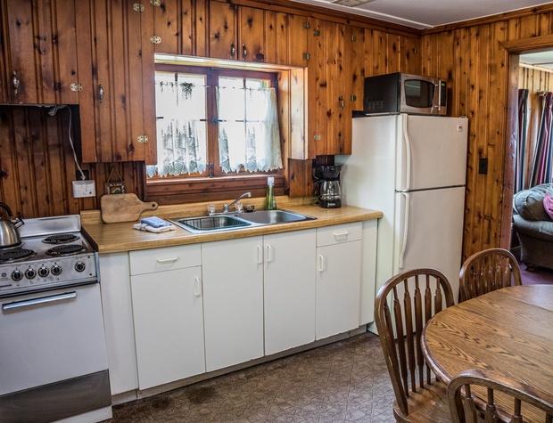 14-3-Kitchen1.jpg