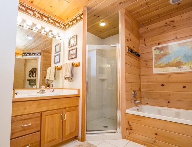 BayBreeze-4-Bedroom1-6.jpg