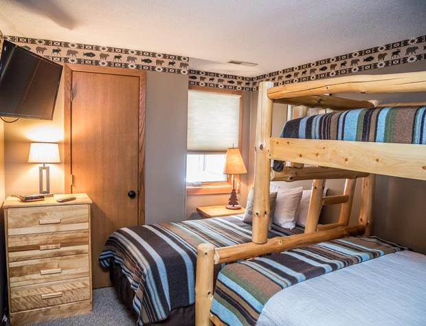 CH 518-4-Bedroom3-2.jpg