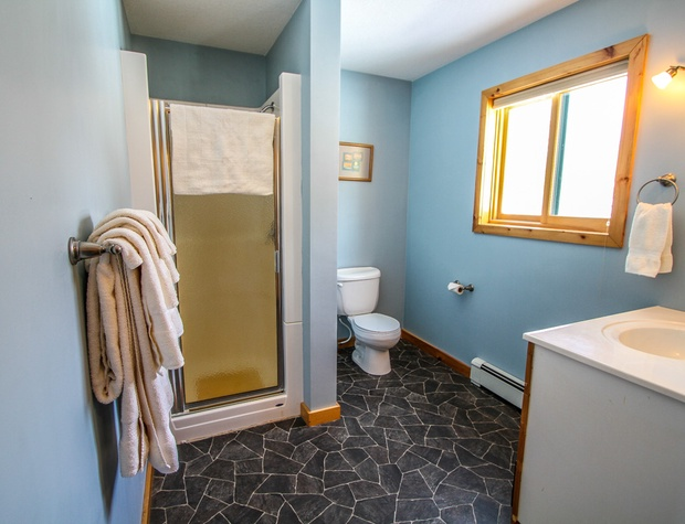 Poplar Creek Retreat-5-Bathroom1-2.jpg